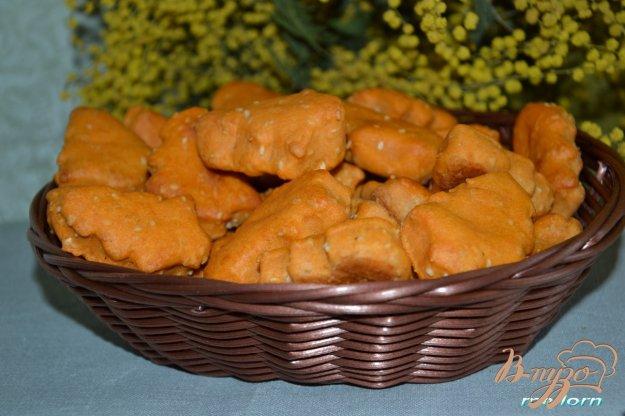 фото рецепта: Печенье томатное с кунжутом