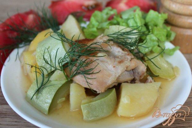 фото рецепта: Кролик с картофелем и кабачком