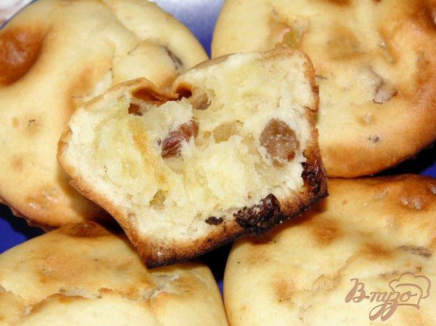 фото рецепта: Кексы с изюмом и цукатами из ананаса
