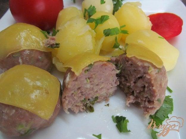 фото рецепта: Фрикадельки с кабачком под сыром