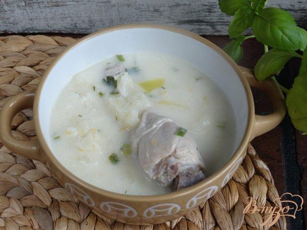 фото рецепта: Куриный суп с плавленным сырком и цветной капустой