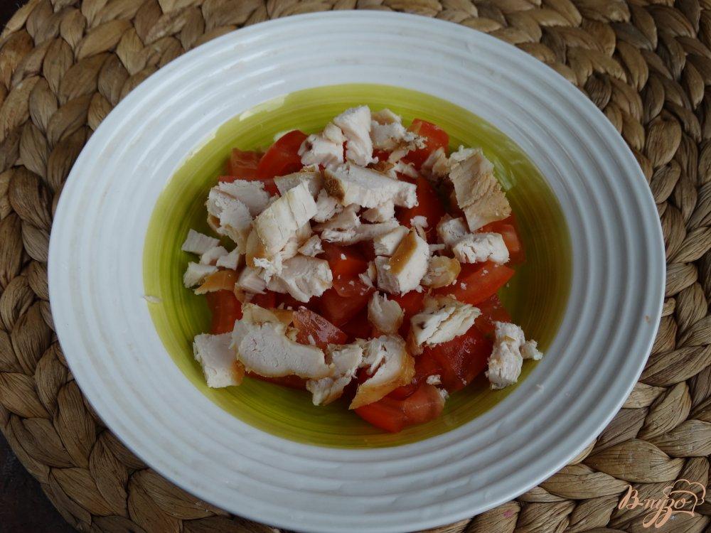 салат с курицей и салатом