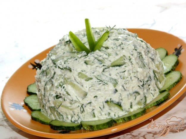 фото рецепта: Творожный салат с болгарским перцем и огурцом
