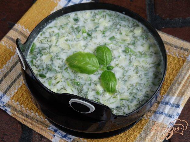 фото рецепта: Холодный огуречный суп с базиликом