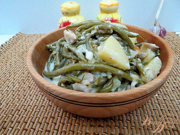 фото рецепта: Спаржевая фасоль тушёная со сметаной