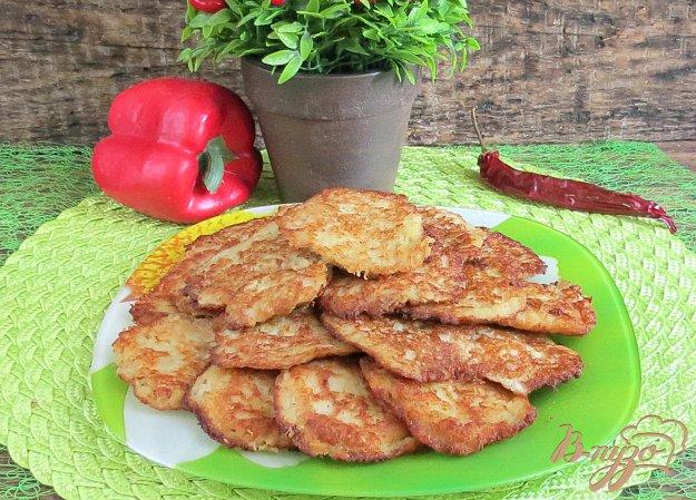 фото рецепта: Драники картофельные с фаршем, сыром, луком