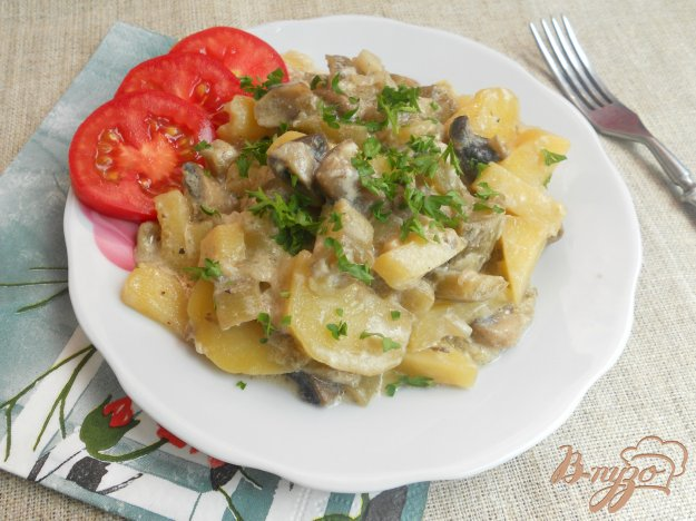грибы в сметанном соусе в духовке рецепт с фото