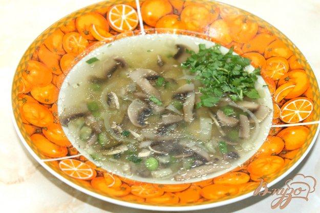 фото рецепта: Грибной суп с зеленым горошком