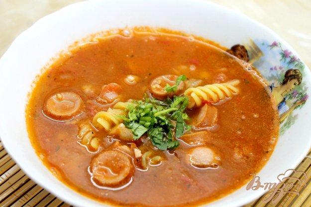 фото рецепта: Острый итальянский томатный суп с колбасками и фасолью