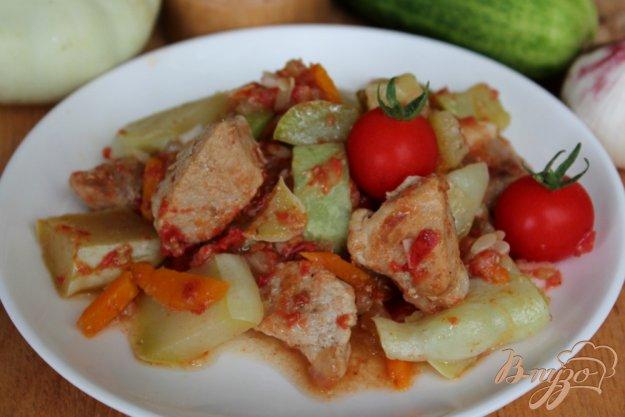 фото рецепта: Свинина с патиссоном и томатом