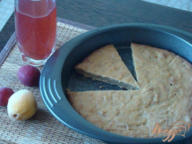фото рецепта: Пирог с фруктами из компота
