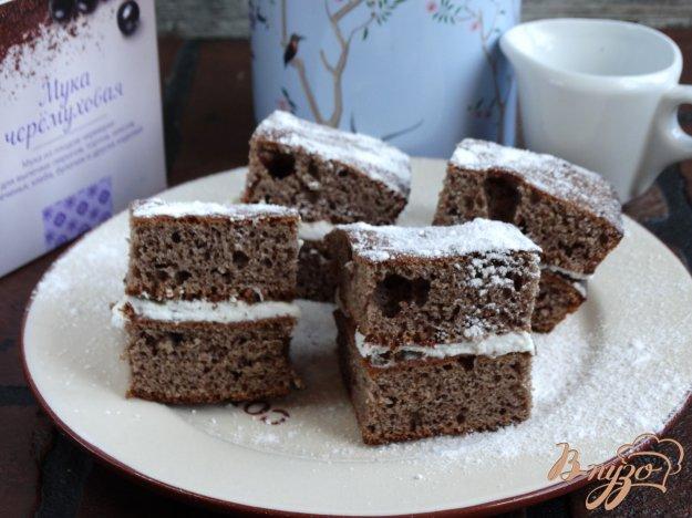 фото рецепта: Черемуховые пирожные