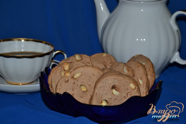 фото рецепта: Бананово-шоколадное печенье с арахисом
