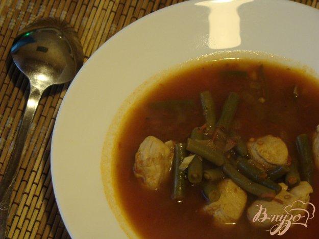 фото рецепта: Томатный суп с курицей и фасолью