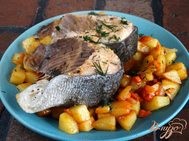 фото рецепта: Паровая горбуша с жареными овощами