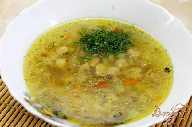 фото рецепта: Овощной суп с колбасками и маринованными шампиньонами