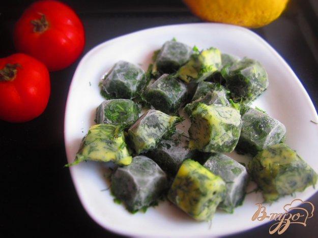фото рецепта: Замороженная зелень в масле и воде на зиму