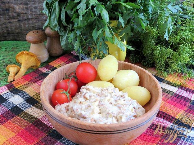 фото рецепта: Лисички в сметанном соусе