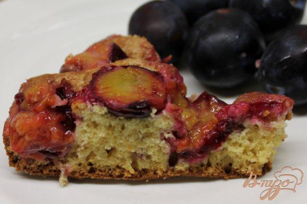фото рецепта: Сливовый пирог с сахарной корочкой
