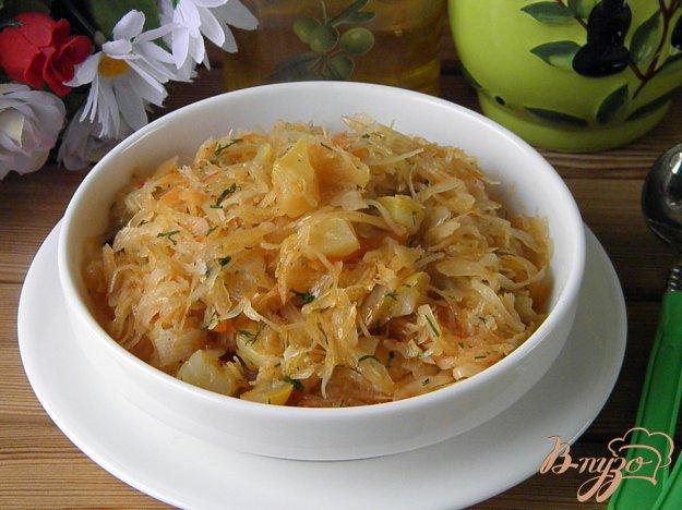 фото рецепта: Солянка овощная или Тушенные кабачки с капустой