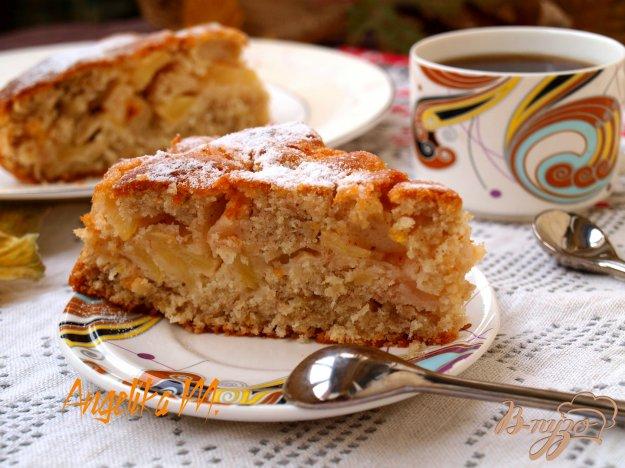 фото рецепта: Кокосовый пирог с яблочной начинкой