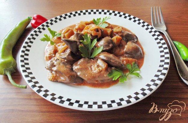 фото рецепта: Куриная печень с баклажанами в соусе
