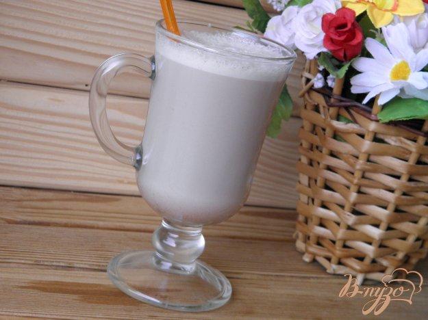 фото рецепта: Молочно-шоколадный коктейль с сиропом