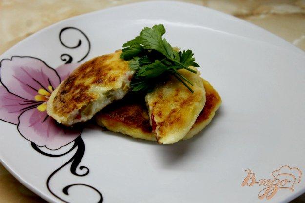 фото рецепта: Картофельные зразы с оливками и перцем