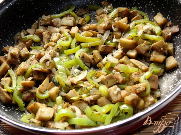 фото рецепта: Баклажаны с луком и болгарским перцем