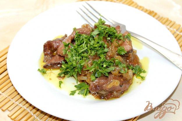 фото рецепта: Свиная печень тушенная в красном вине