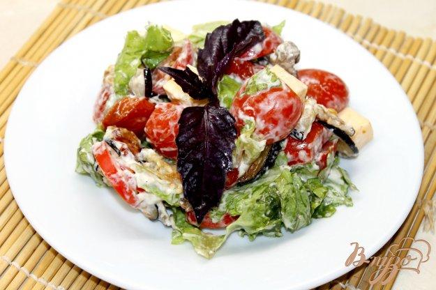 фото рецепта: Салат с баклажанами и утиной грудкой