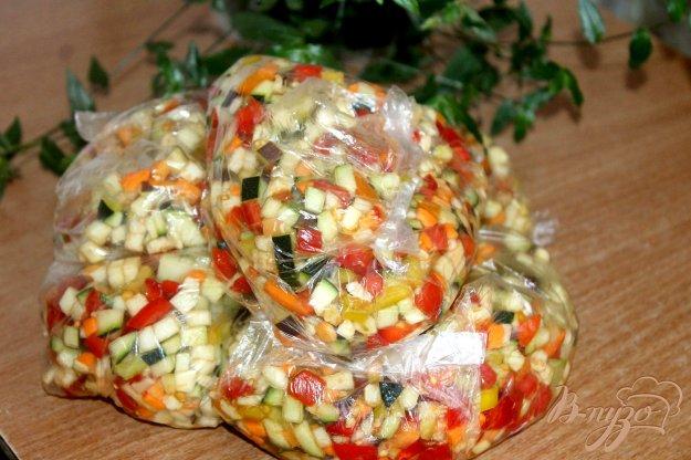 фото рецепта: Заготовка из овощей для супов, овощного плова и омлета