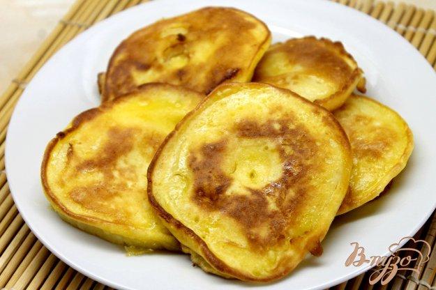 фото рецепта: Яблочные кольца в сладком ванильном кляре