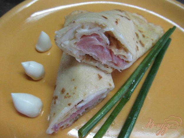 фото рецепта: Блинчики с сыром и соленым тунцом