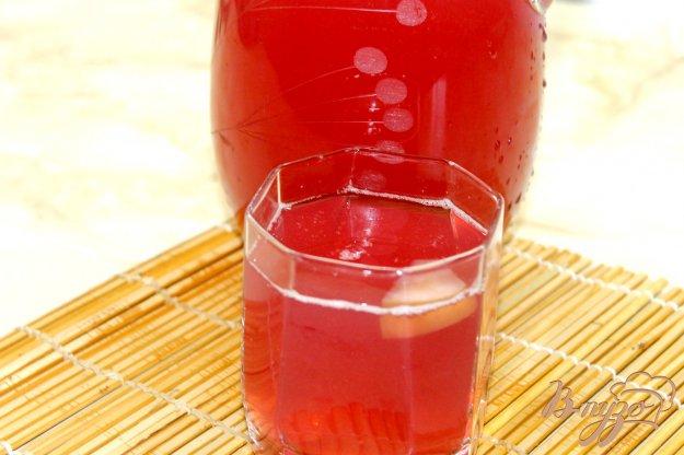 фото рецепта: Компот из слив, яблок и винограда