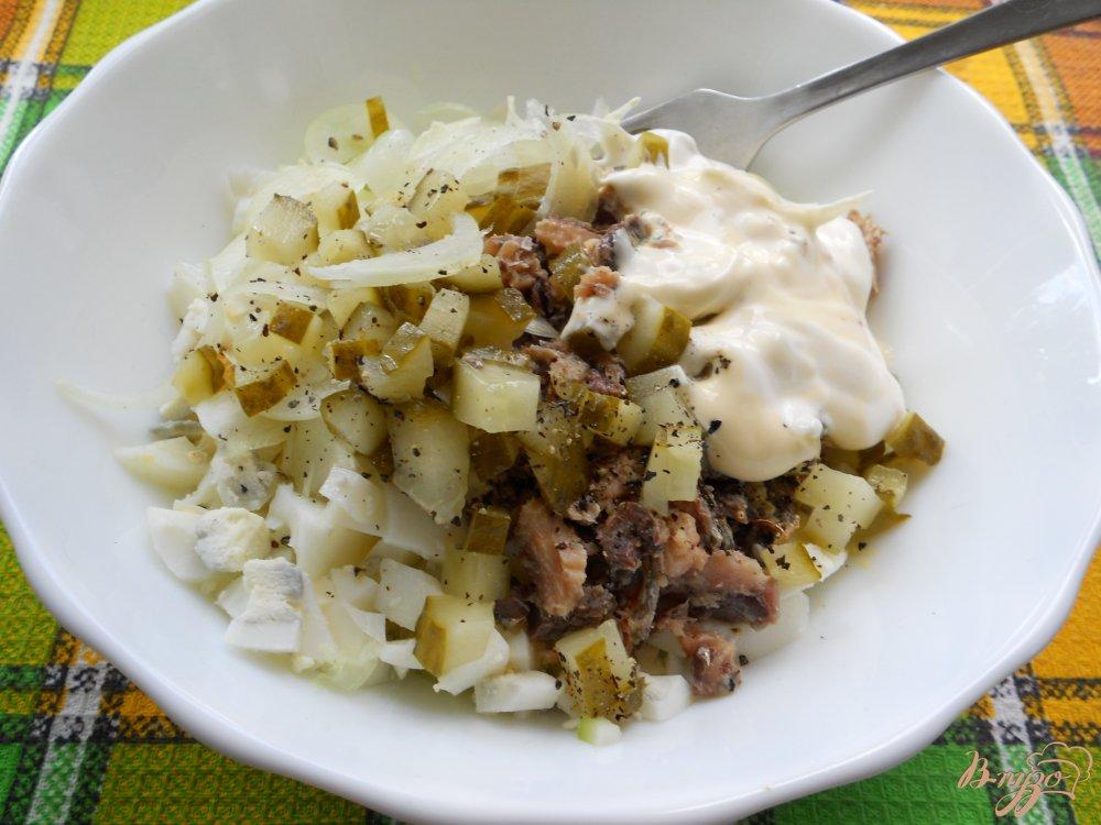 салат из рыбных консервов с огурцом рецепты