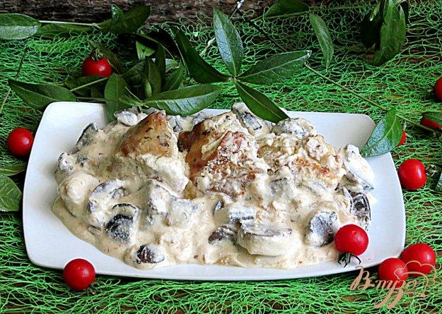 фото рецепта: Курица с лесными грибами в сметанном соусе