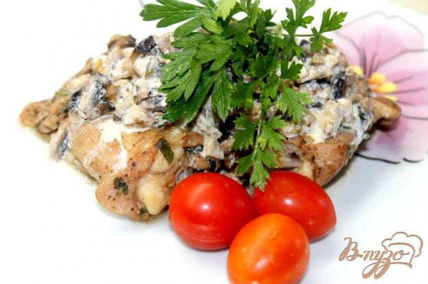 фото рецепта: Куриные бедра в грибном соусе
