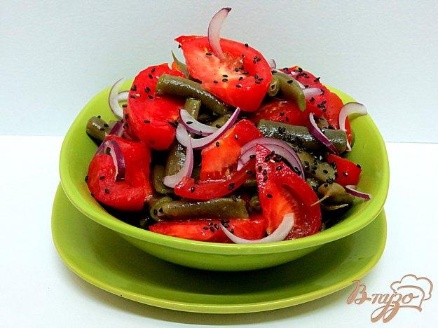 фото рецепта: Салат со стручковой фасолью и помидорами