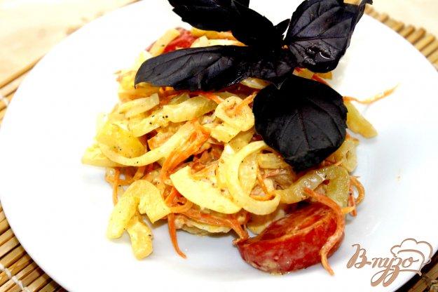 фото рецепта: Салат из овощей с корейской морковью и яйцом