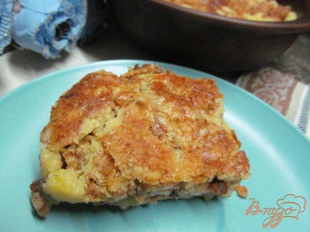 фото рецепта: Сухой пирог с яблоками на кукурузной муке