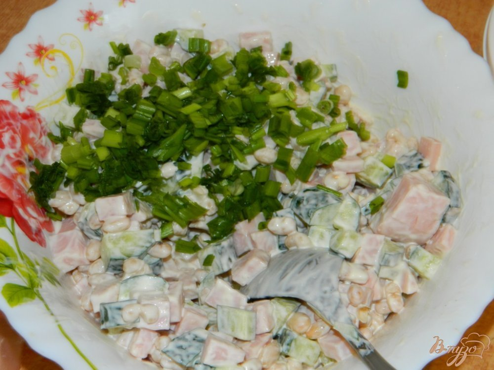 Салат из фасоли с ветчиной фото
