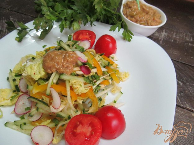фото рецепта: Овощной салат с японской заправкой