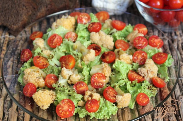 фото рецепта: Салат с цветной капустой и помидорами черри