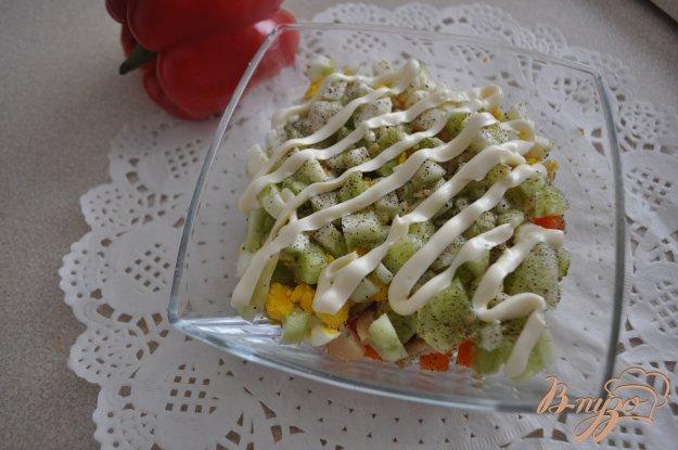 фото рецепта: Салат с рапанами, картофелем и огурцом