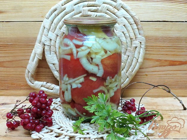 фото рецепта: Помидоры маринованные без шкурок с луком