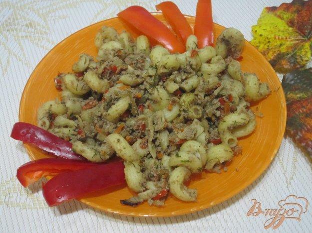фото рецепта: Макароны с куриной печенью и овощами