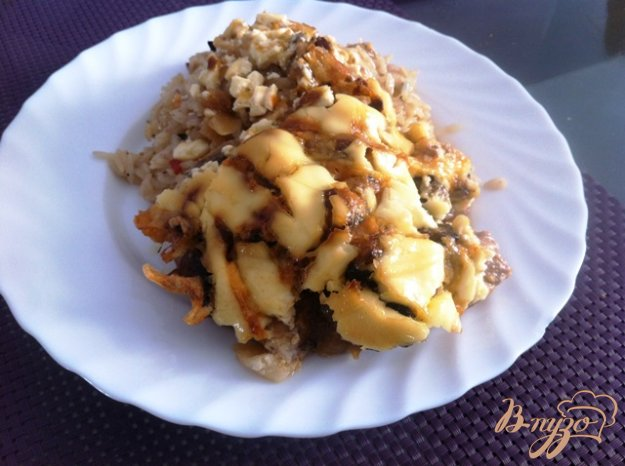 фото рецепта: Отбивные из свинины с грибами и сыром