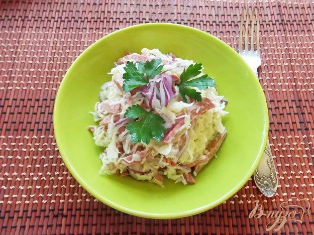Салат из капусты и колбасы рецепт пошагово
