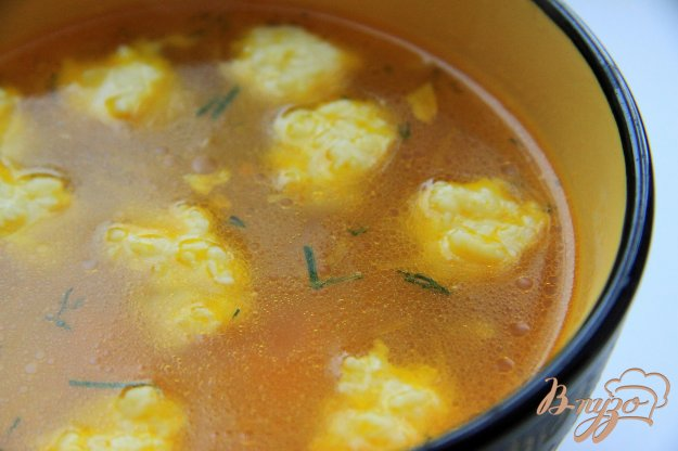 фото рецепта: Легкий куриный суп с сырными клецками